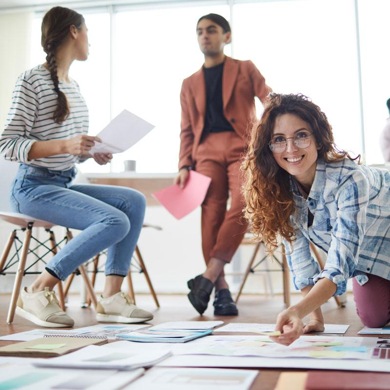 contemporary-business-team-planning-project-JRKYPTE.jpg