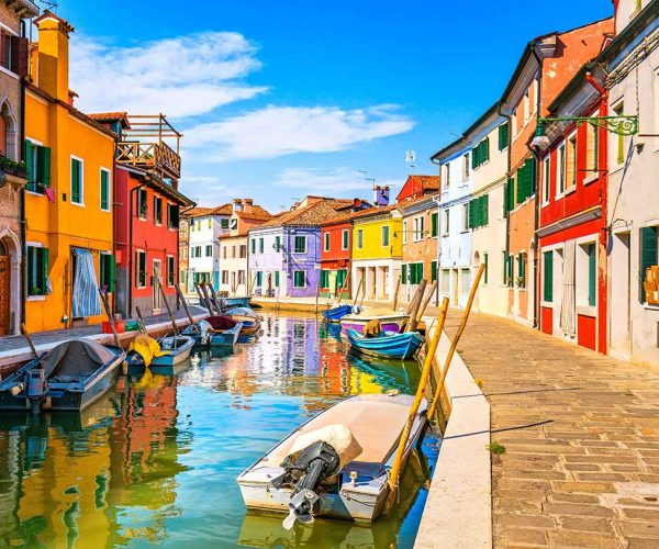 venice-landmark-burano-island-canal-colorful-house-small.jpg